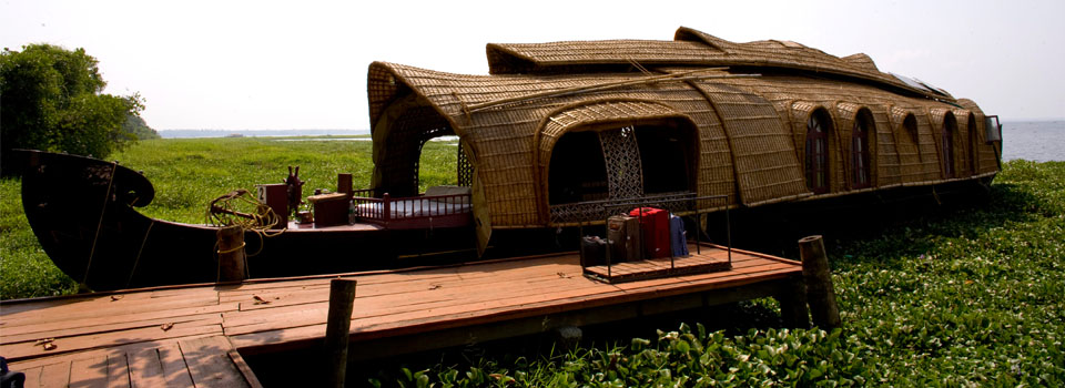 TR-IN001 - Houseboat with plaited canvas