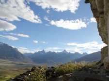 Chaîne de montagnes au fond de la vallée du Zanskar