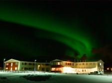 Aurore boréale sur l'hôtel de Mývatn