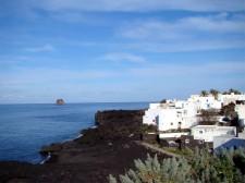 Les rochers inquiétants de l'ile Panarea