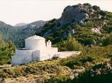 Une chapelle dans les montagnes