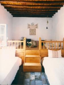 Une chambre à deux lits