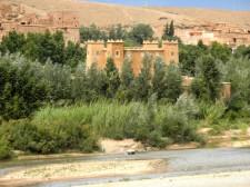 Une kasbah sur le chemin de la vallée des Roses