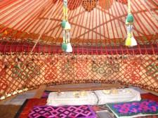 Intérieur d'une yourte kirghize