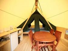 Intérieur de tente dans le parc Pointe Taillon