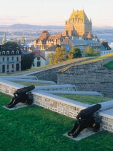 Vue sur le château Frontenac et la vieille-ville de Québec
