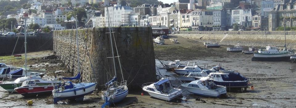 Îles Anglo-Normandes – Jersey, Guernesey, Aurigny, Sercq: une découverte d'île en île