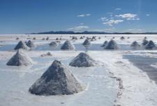 Monticules de sel dans le Salar