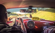 Dans un vieux taxi en route pour Cienfuegos