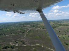 Survol du delta de l'Okavango, seul moyen de communication