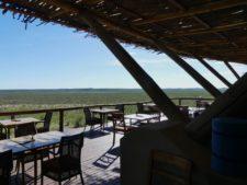 Lodge à la vue dominante dans la réserve d'Ongava